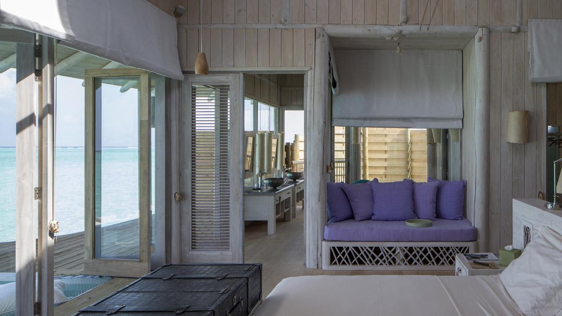 Soneva Jani - Schlafzimmer mit Meerblick
