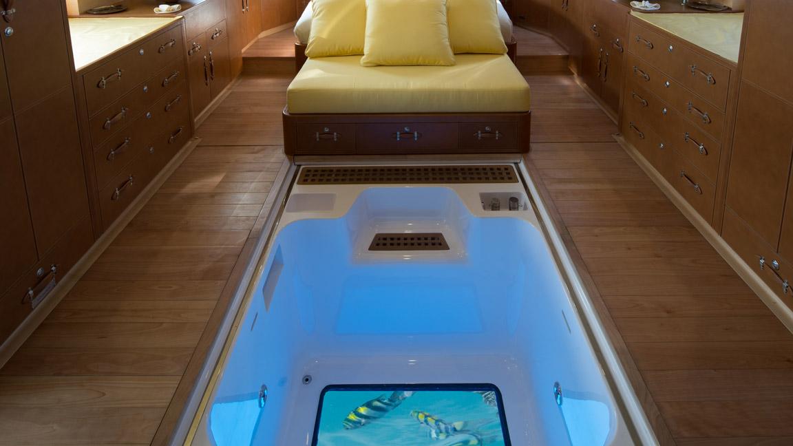Soneva in Aqua - Kabine mit Glasboden Jacuzzi