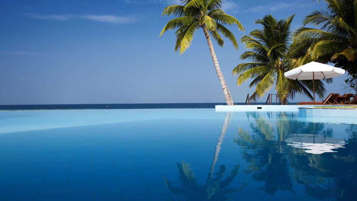 Filitheyo Island - Infinity Pool
