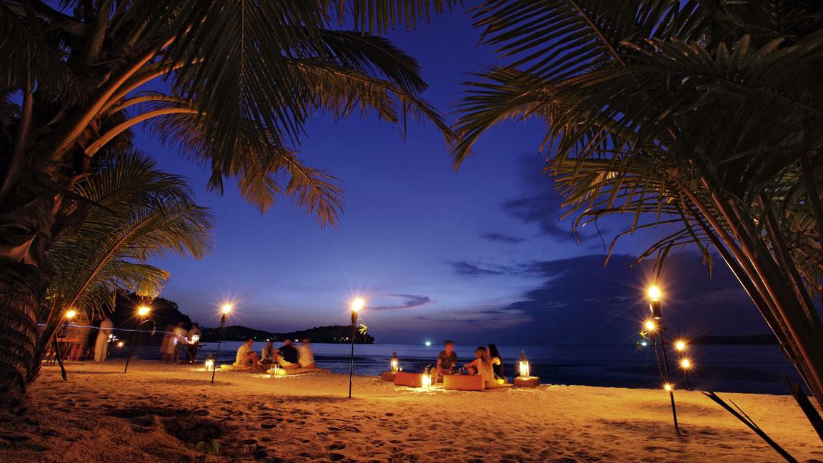 Soneva Kiri Resort Thailand - Essen am Strand
