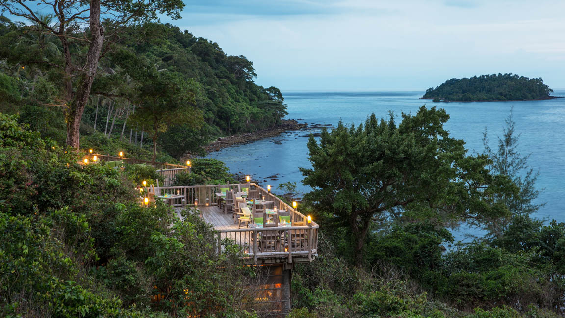 Soneve Kiri - The View deck by Richard Waite
