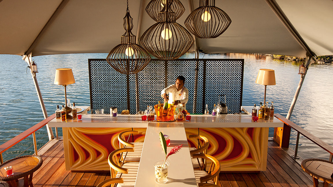 Constance Le Prince Maurice - Floating-Bar