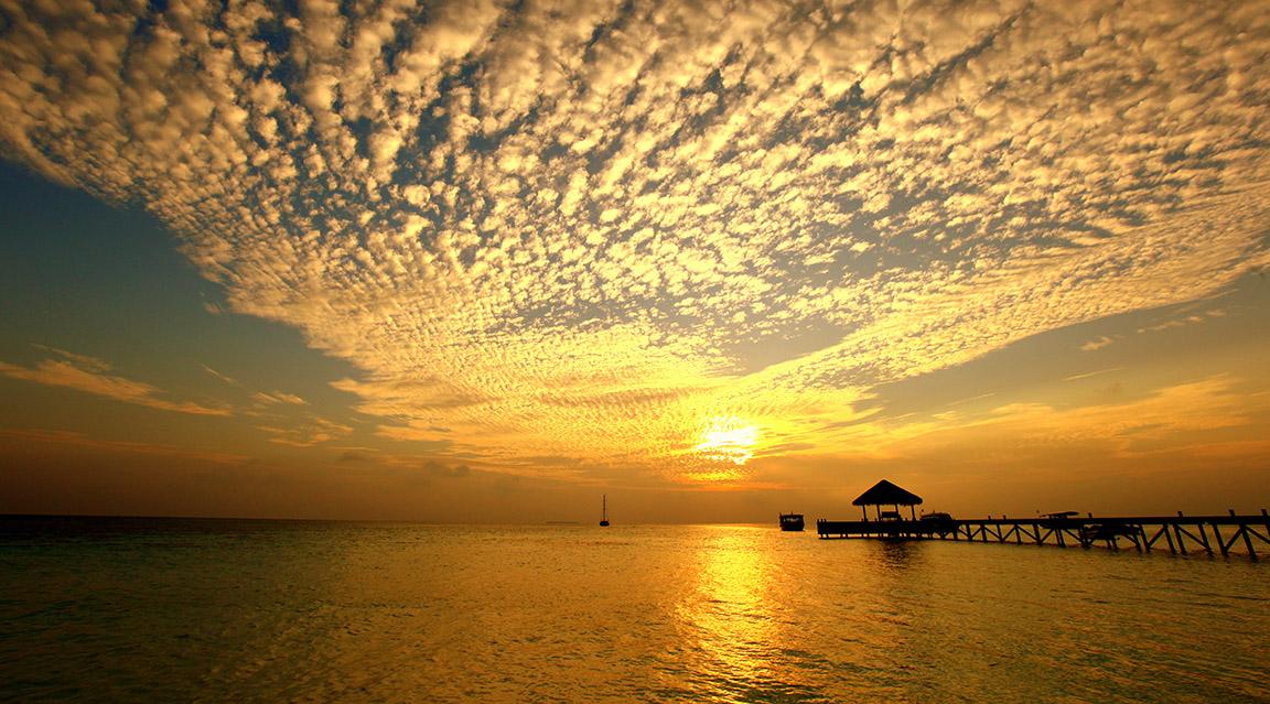 Sonnenuntergang im Mirihi Island Resort
