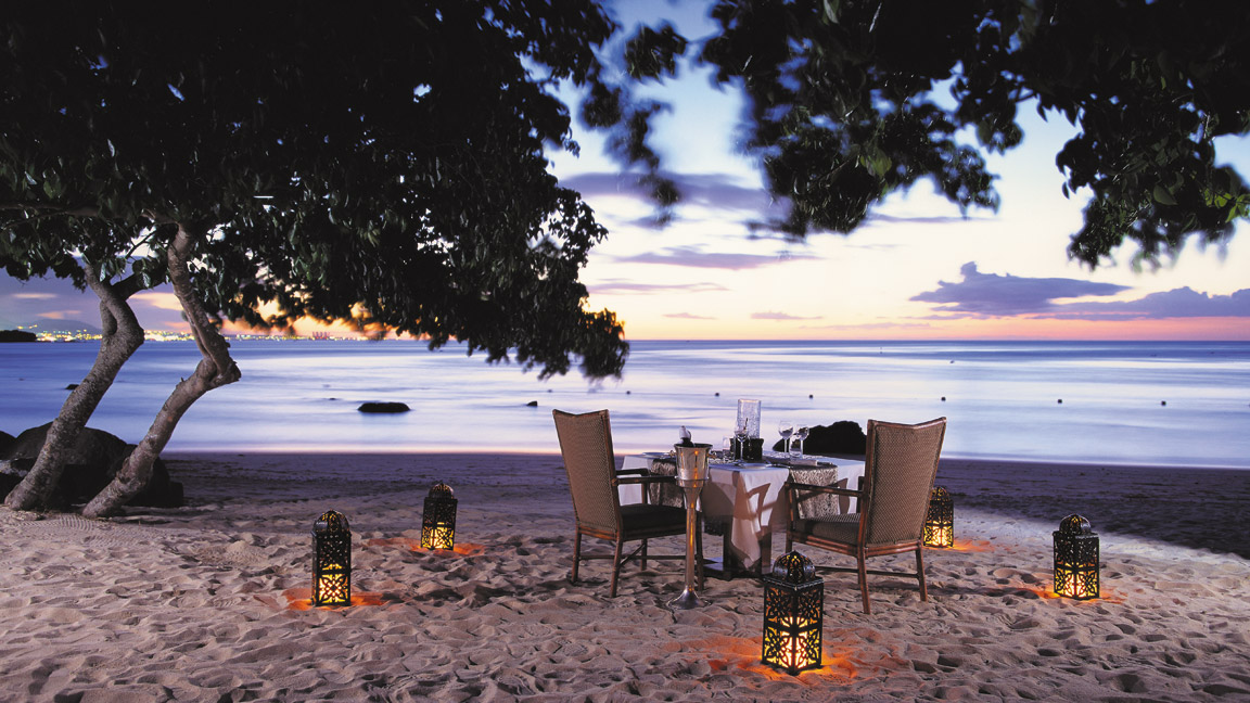The Oberoi Mauritius - Dinner am Strand
