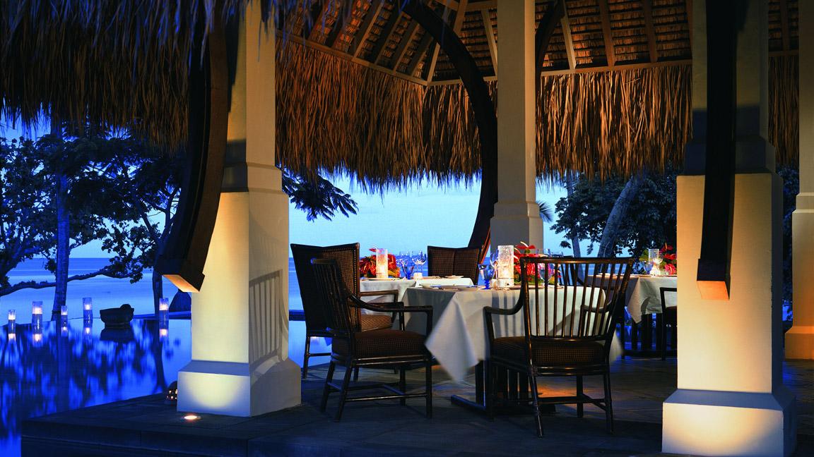 The Oberoi Mauritius - Dinner im Sonnenuntergang