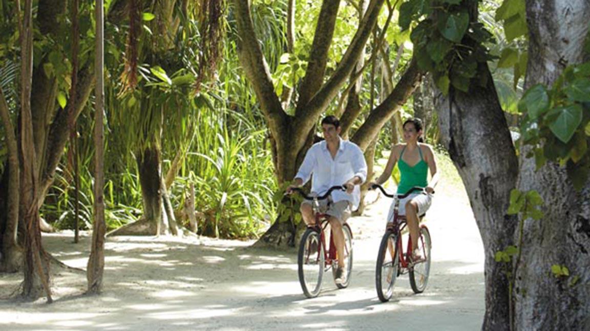 Shangri-La Villingili - Auf dem Rad durchs Resort