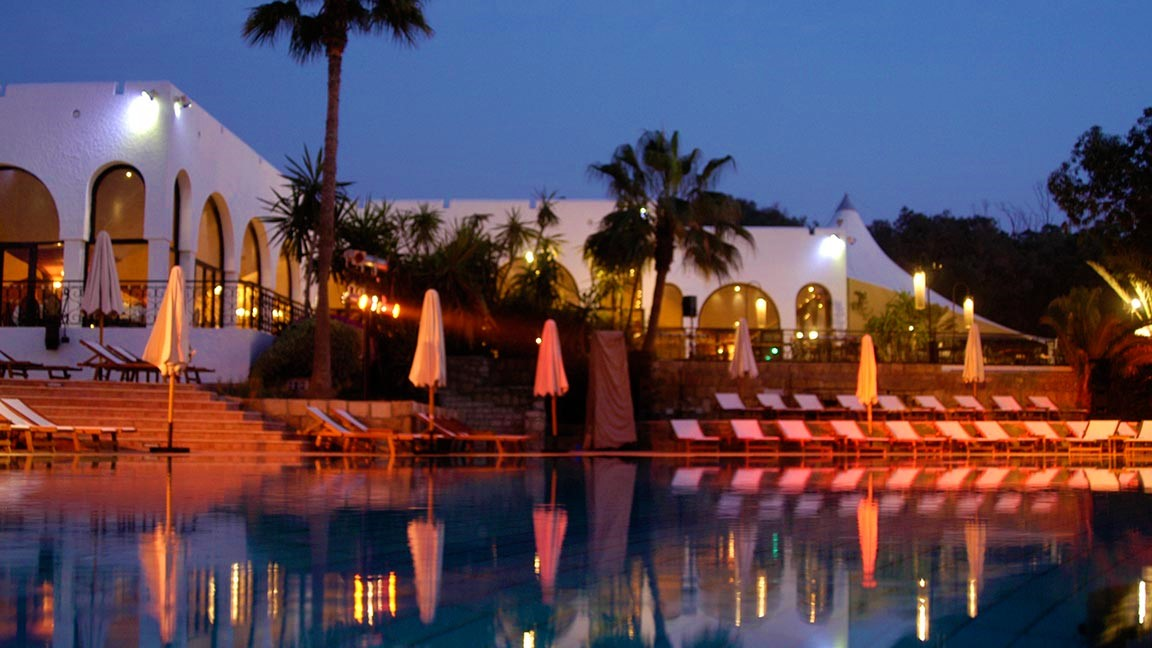 Club Med – Agadir Pool bei nacht