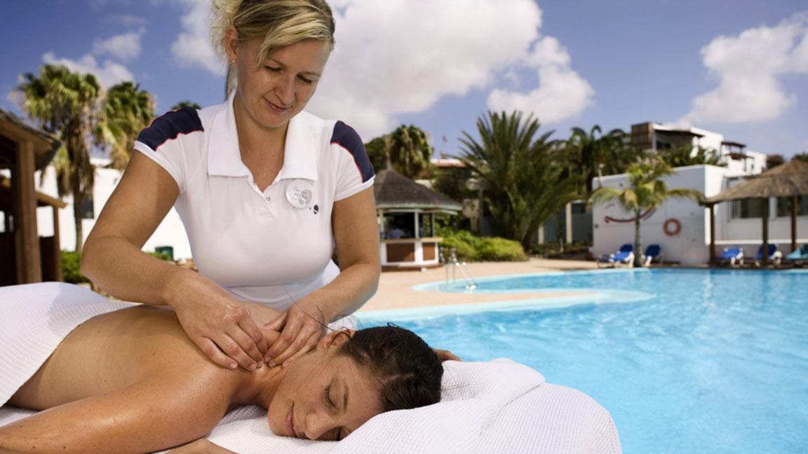 Robinson Club Esquinzo Playa entspannung am pool