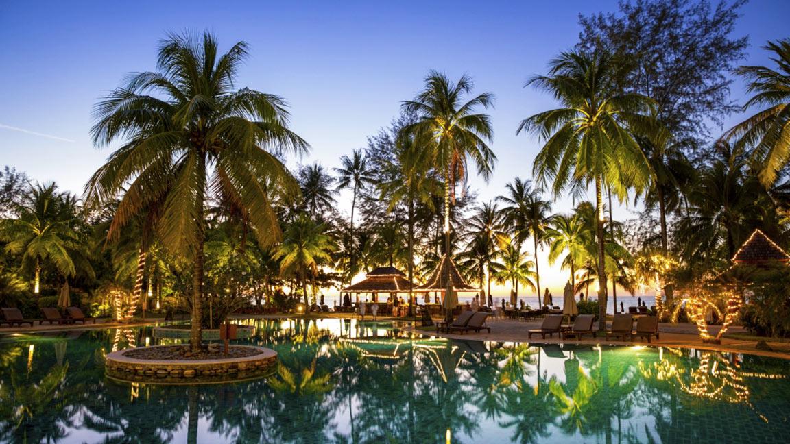 Robinson Club Khao Lak Pool bei Nacht