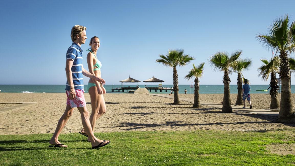Robinson Club Nobilis Spaziergang am Strand