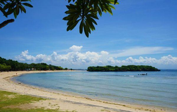 Strand von Nusa Dua auf Ihrer Reise nach Bali