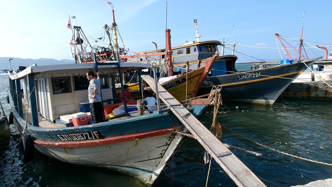 Boote im Hafen auf Malaysia