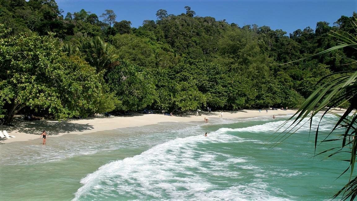 Wunderschöner Sand-Strand auf Malaysia Reise