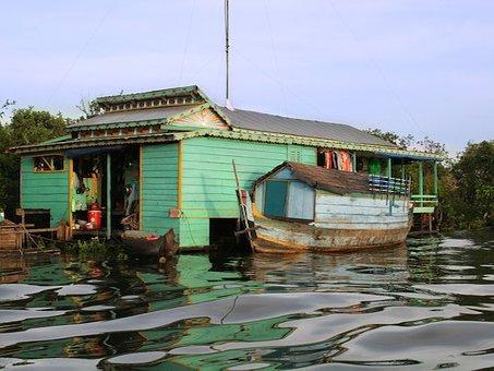 Schwimmendes Haus in Kambodscha