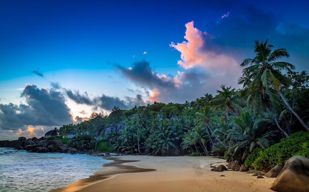 Banyan Tree Seychelles - Abendstimmung an der Anse Intendance