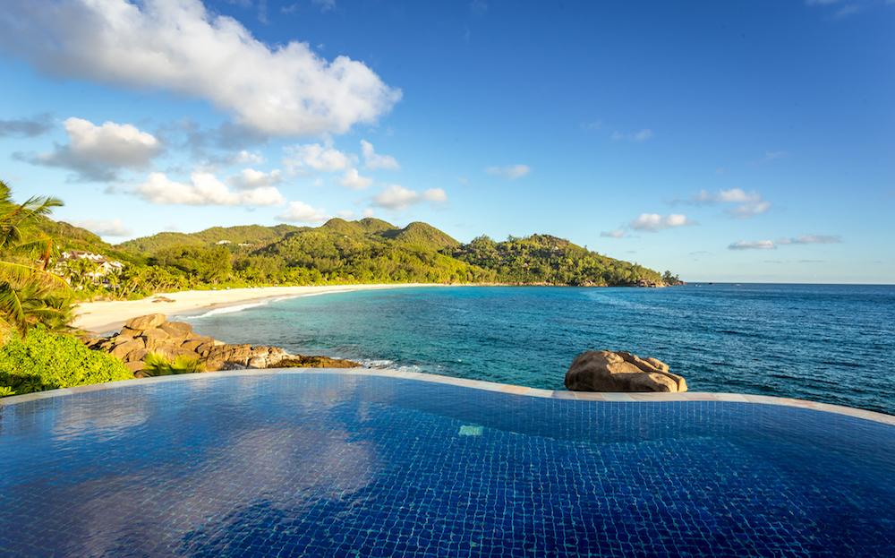 Banyan Tree Seychelles - spektakulärer Ausblick von der Royal Banyan Ocean View Pool Villa