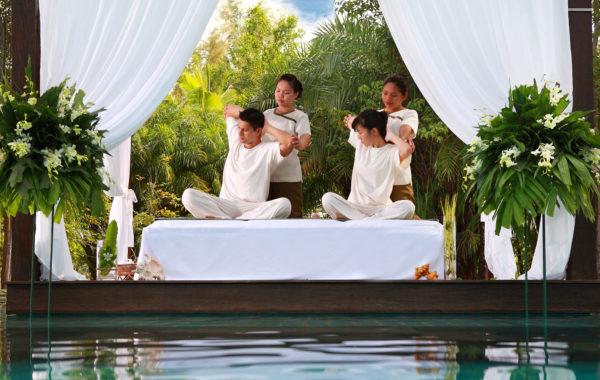 Massage im Spa im The Sarojin Thailand