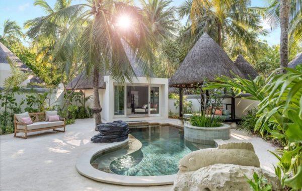 Villa mit Pool im Four Seasons Kuda Huraa