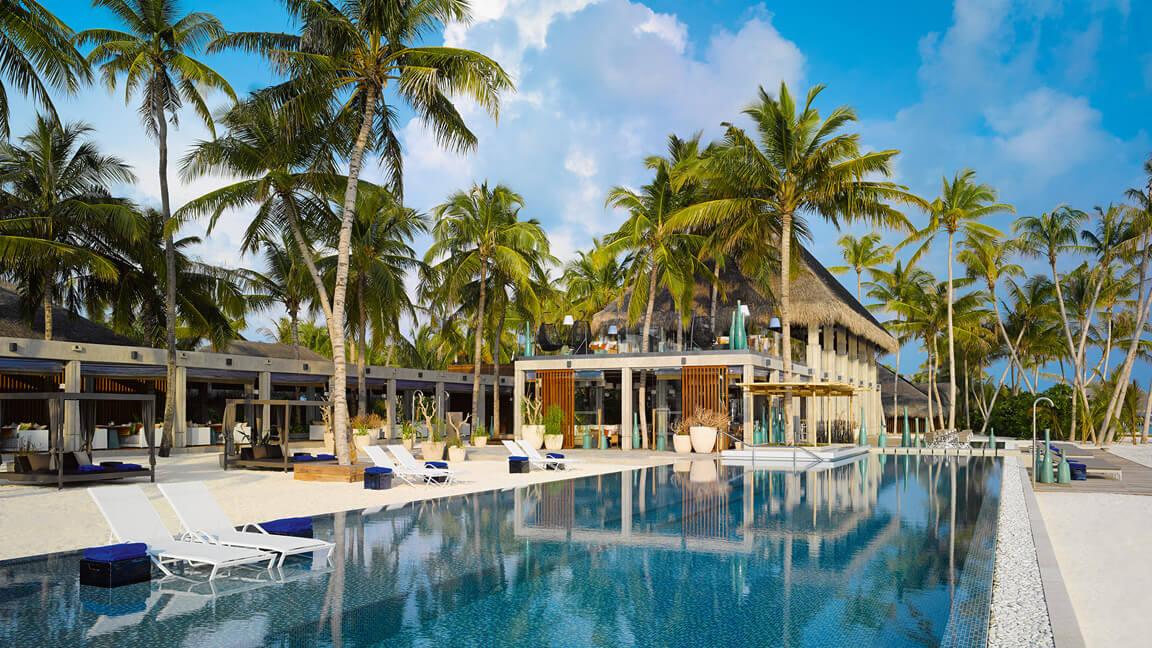 Velaa Private Island - Athiri Restaurant & Avi Bar - Haupt Pool