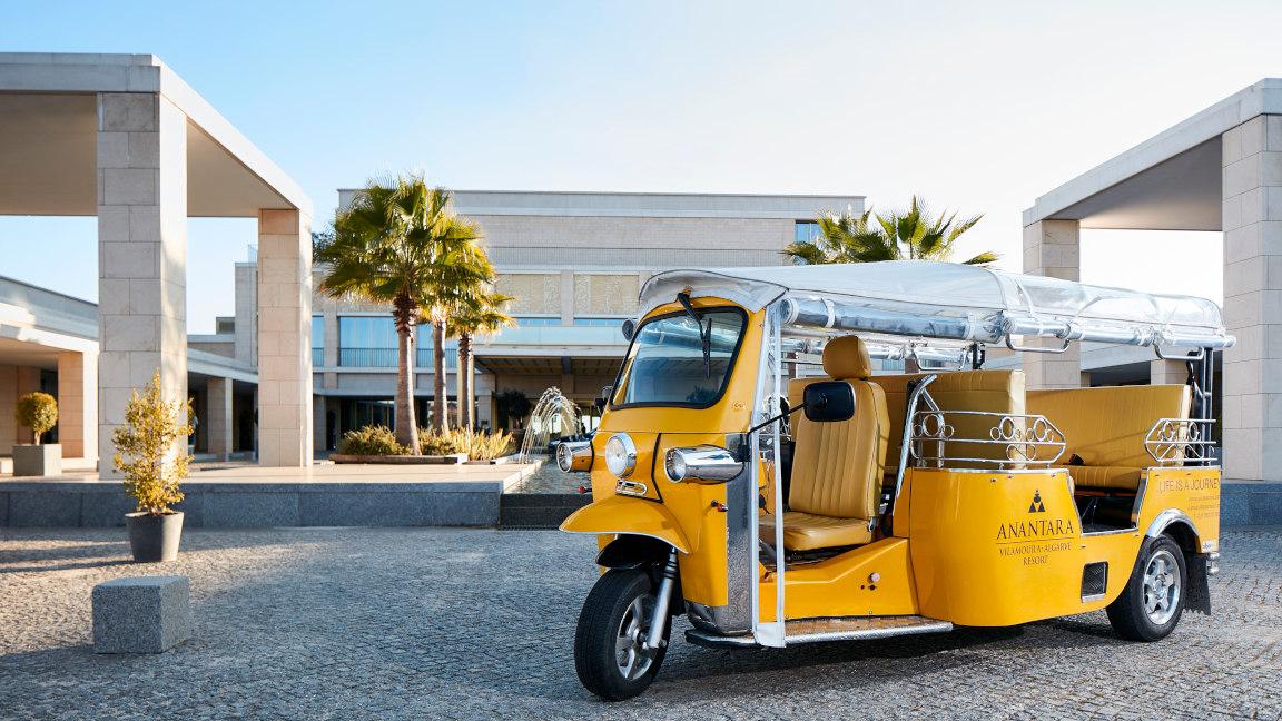 Tuktuk vor Hotel Anantara Vilamoura, Algarve