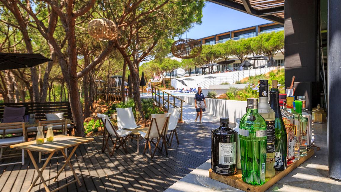 Poolbar im Hotel Praia Verde, Algarve, Portugal
