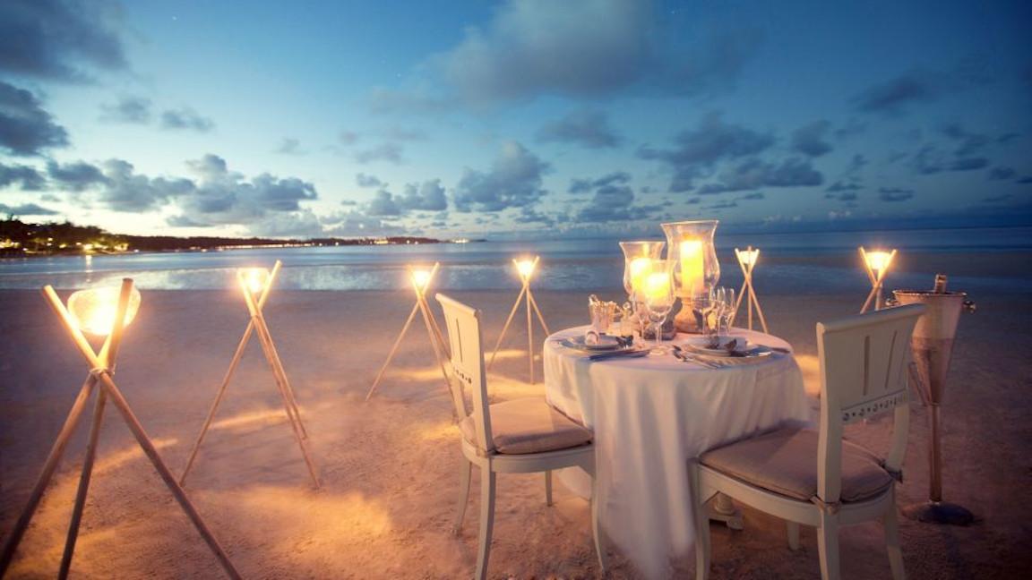 LUX Belle Mare_Dinner am Strand