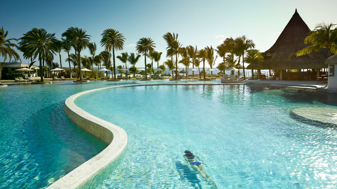 Pool LUX Belle Mare