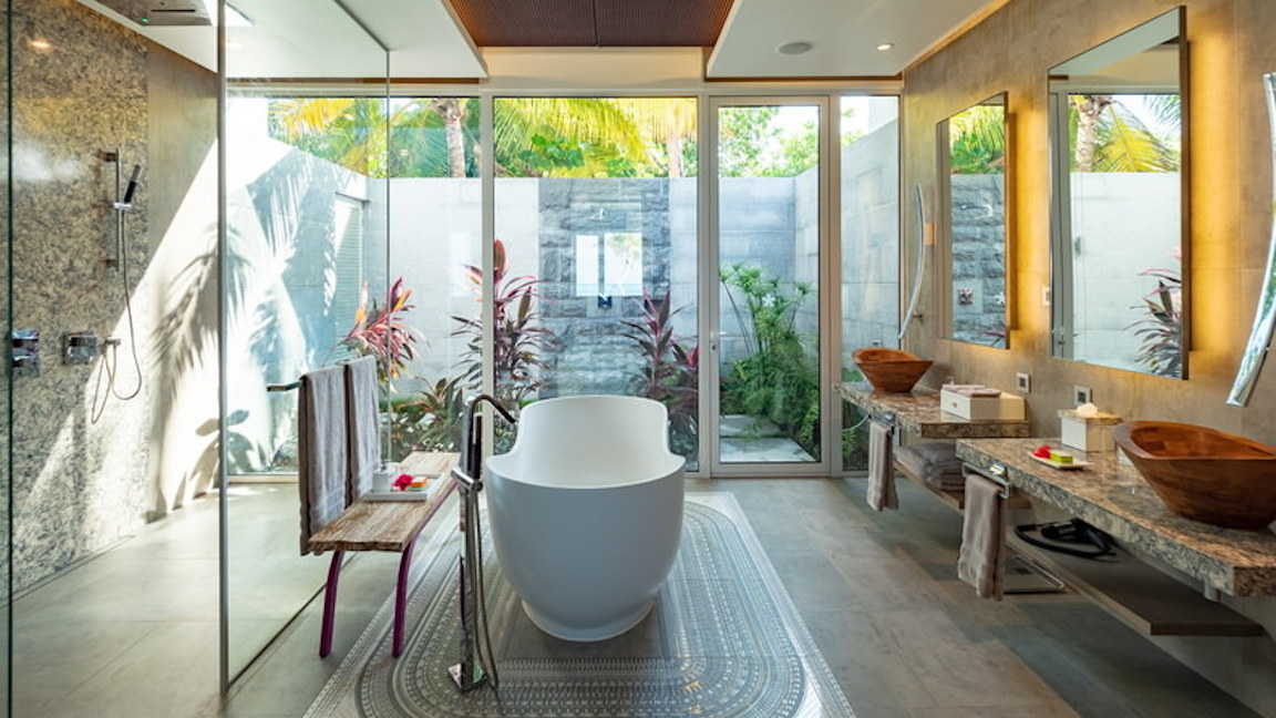 LUX_North-Male-Atoll-Two-bedroom-beach-residence_Bathroom