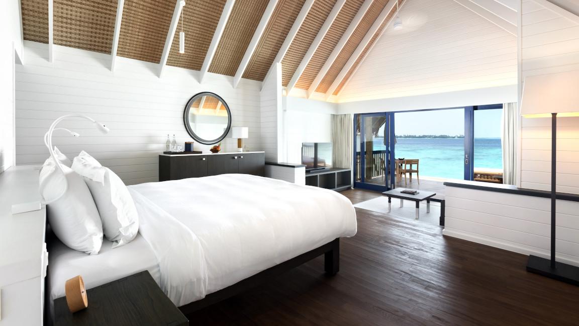Cocoa Island Dhoni Wasservilla Malediven