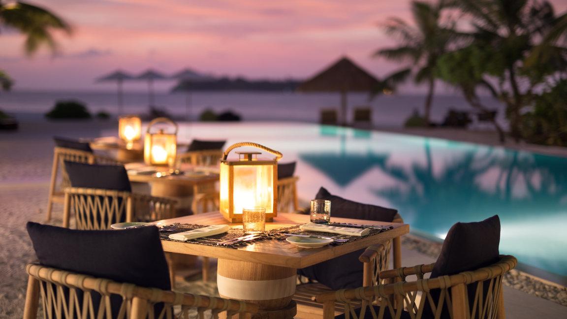 Cocoa Island Malediven Restaurant am Strand