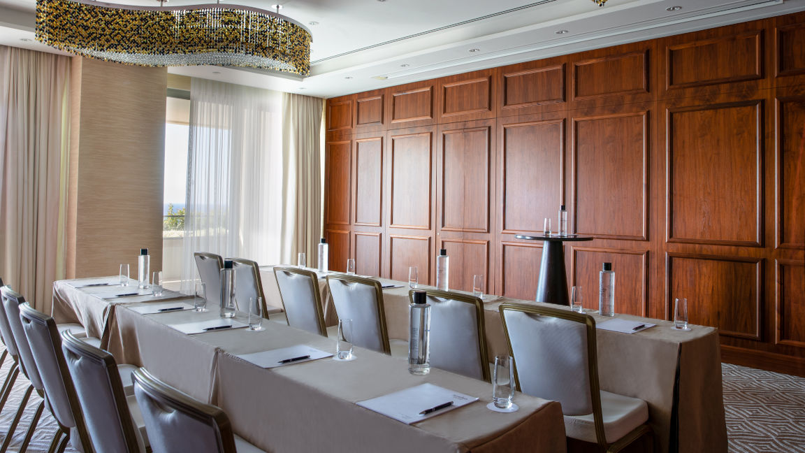 Jumeirah-Port-Soller-Soller-Meeting-Room-Business-Event-Classroom-Set-up-Conference-MICE